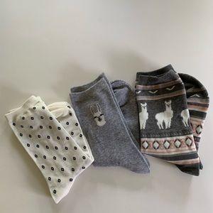 NEW gray crew llama socks
